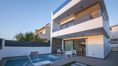"""San Pedro del Pinatar <br><span style=""""color: #4bb3bf;"""" ><h4>Unifamiliares pareadas y villas</h4></span>"""
